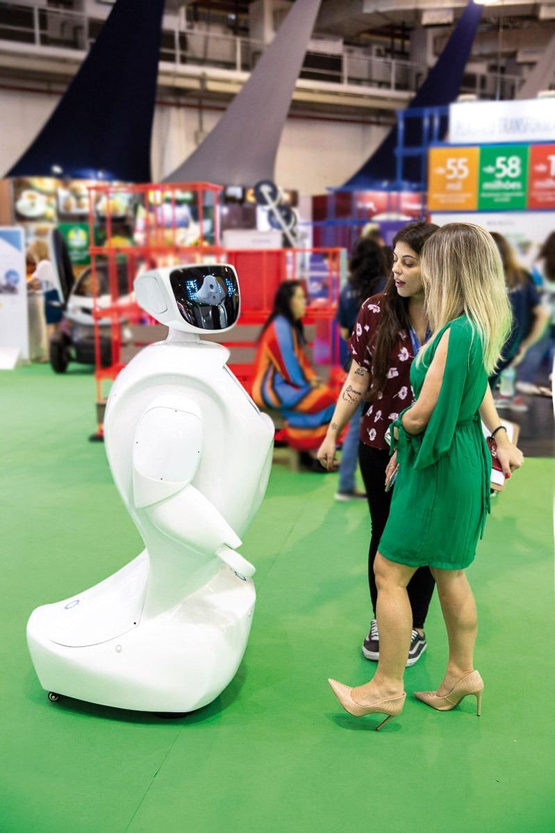 Plástico Moderno, Visitantes do Inova Plastic conheceram robô e o papel dos plásticos na mobilidade urbana ©QD Foto: Divulgação